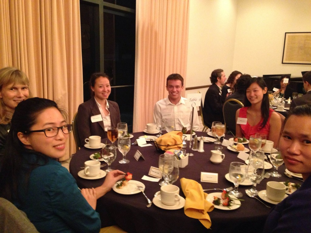 Cynthia Robertson '80 P16, Table Host with Class 2014 members (from top) Maya Johnson, Jonathan Williams, Tiffany Lim, Ileane O'Leary (not shown), Kerry Chin and Frances Su