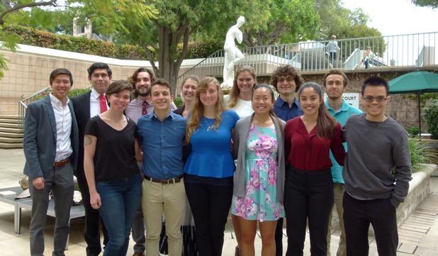 Class 2018 students standing in Hixon Court