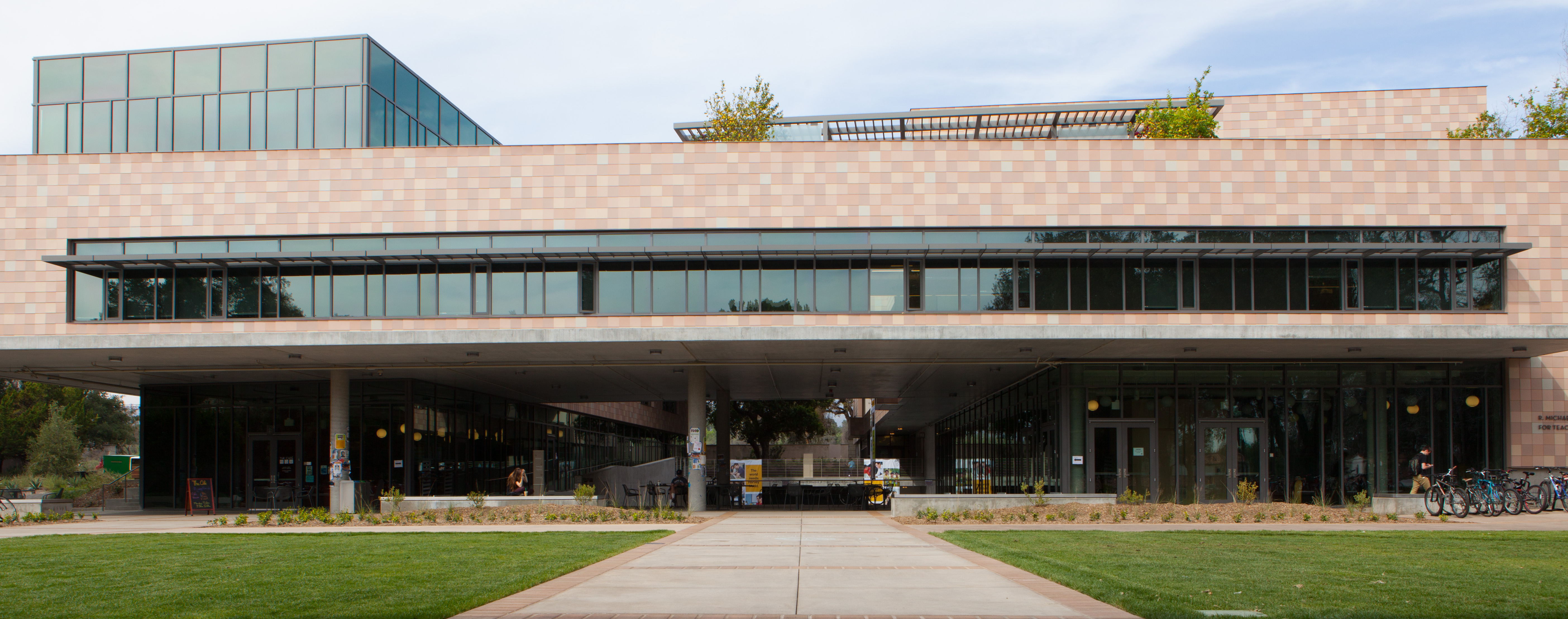 R. Michael Shanahan Center for Teaching and Learning.